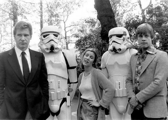 Han Leia and Luke posing with stormtroopers